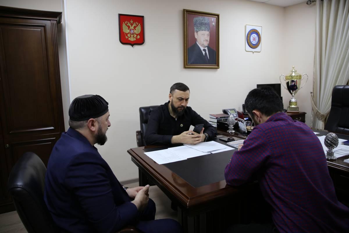 ЧЕЧНЯ. Депутаты Госдумы провели прием граждан по вопросам ЖКХ в Грозном